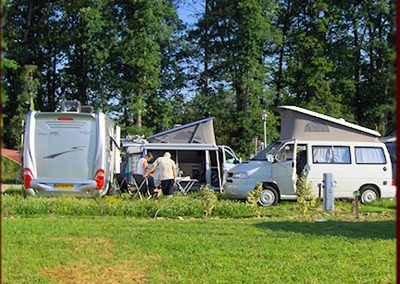 Emplacement camping Eugenie les Bains (12)